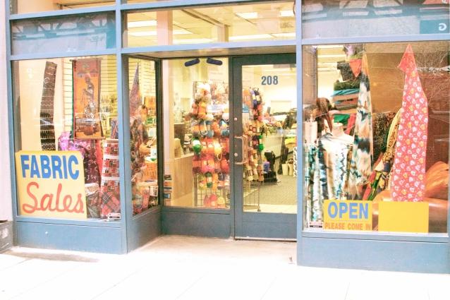The Chicago Fabric Sales Co.  (www.fabricschicago.com)