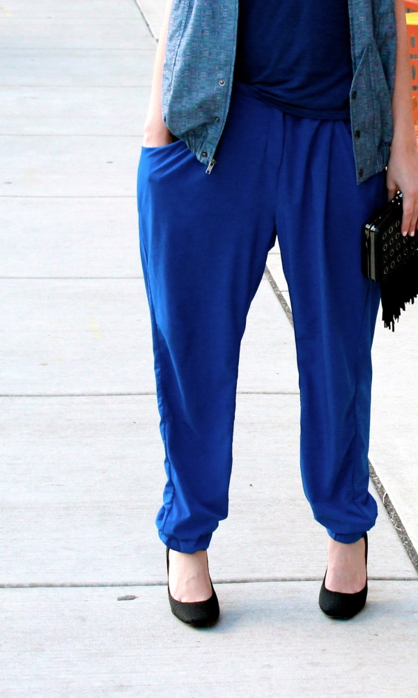 Boy In Heels Look: fun, sporty blue slouchy pants paired with high heel shoes.