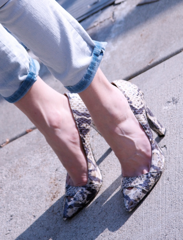 Snake Printed Lady-Like Shoes Paired With Casual Look