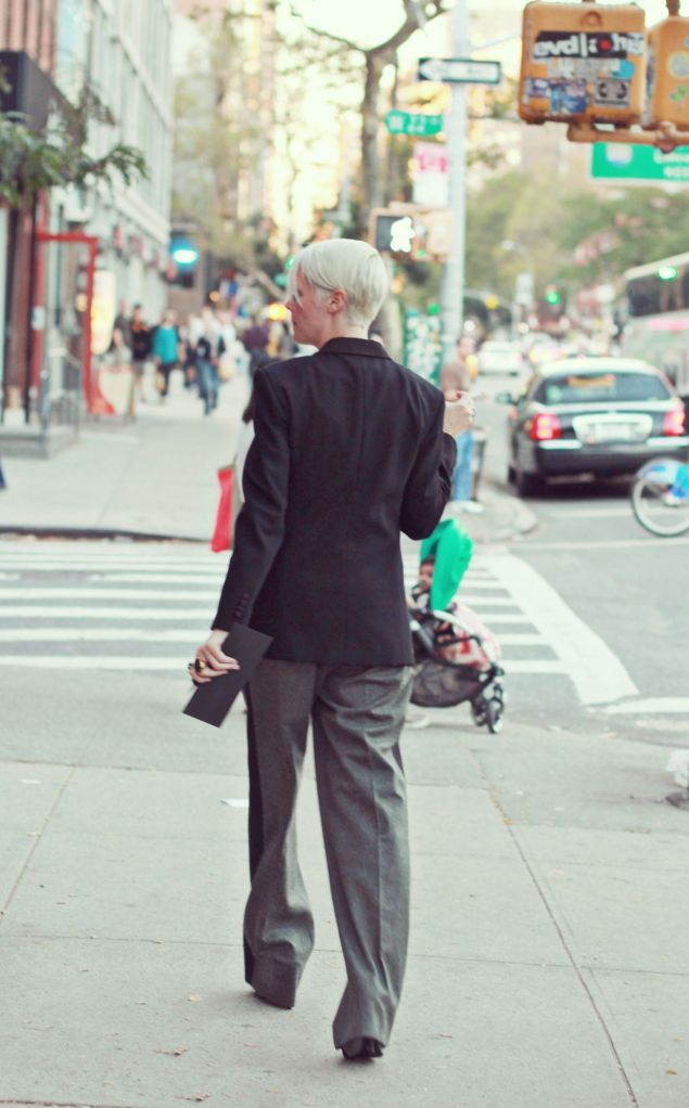 street-fashion-androgynous-blonde-female