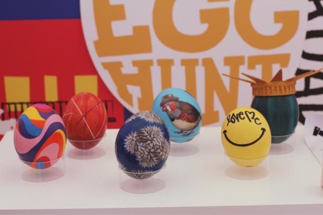 egg_replicas_ostrich_ny_thebigegghuntny
