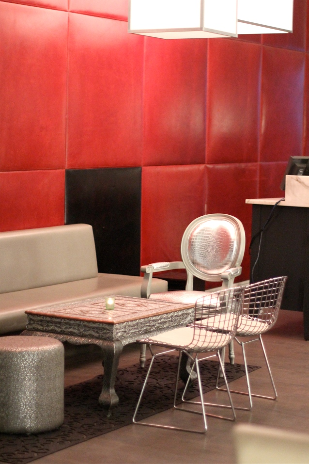 red_walls_interior_design