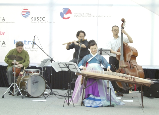 korean_fashion_event_live_music