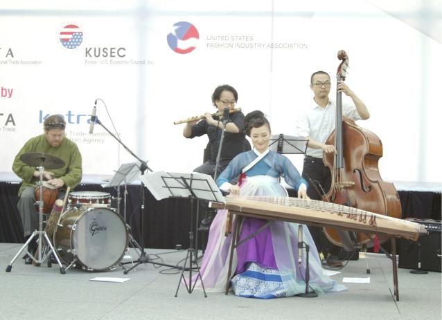 korean_fashion_event_live_music