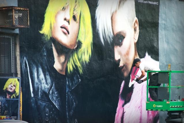 dkny_painting_graffiti_williamsburg_fashion