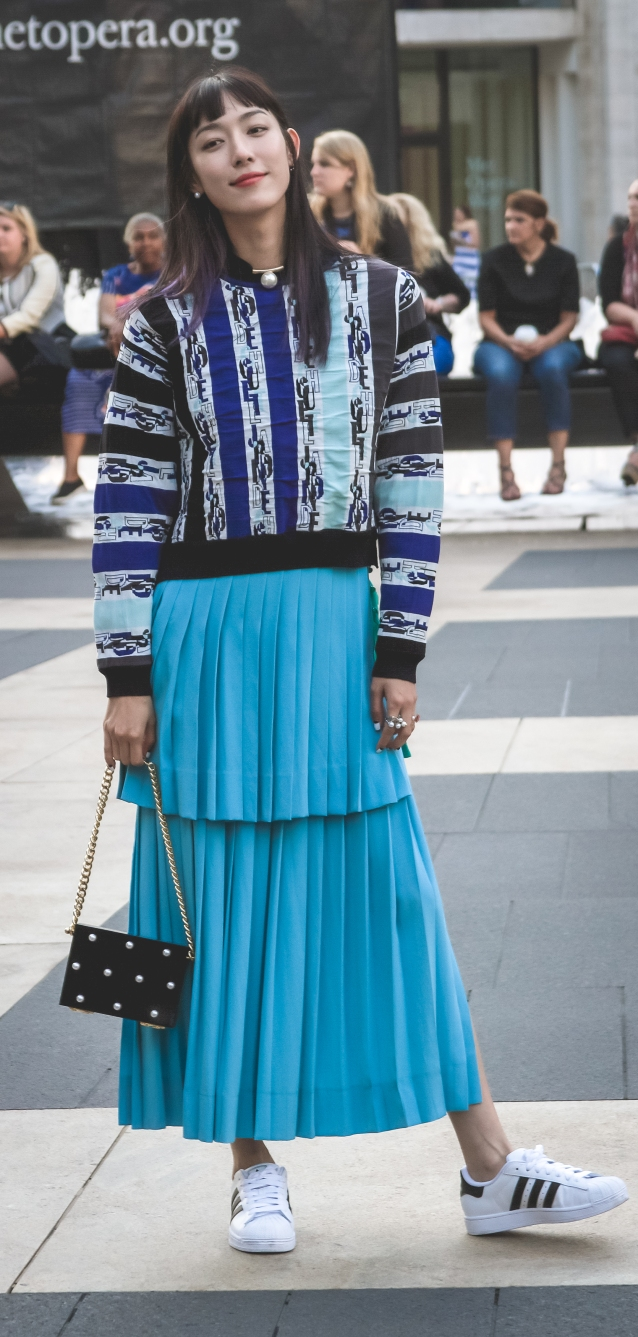 Sneakers_and_maxi_skirt_street_style