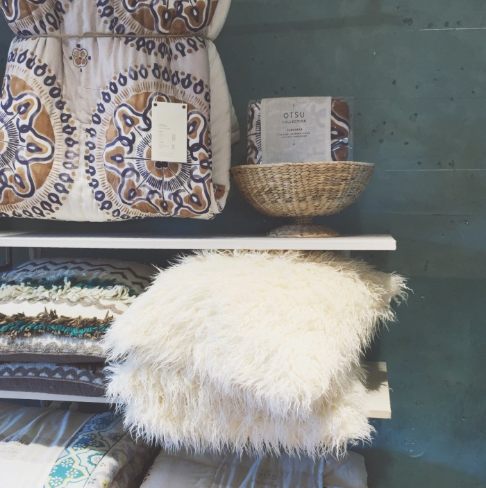 anthropology_shopping_california_white_fur_pillows
