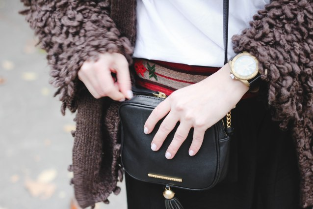 fall_look_2016_chunky_cardigan_blogger_marc_jacobs_tussel_purse (14 of 20)