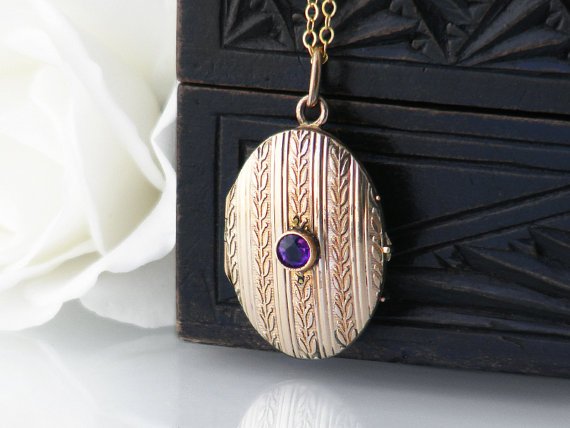 locket_antique_wedding_pendant